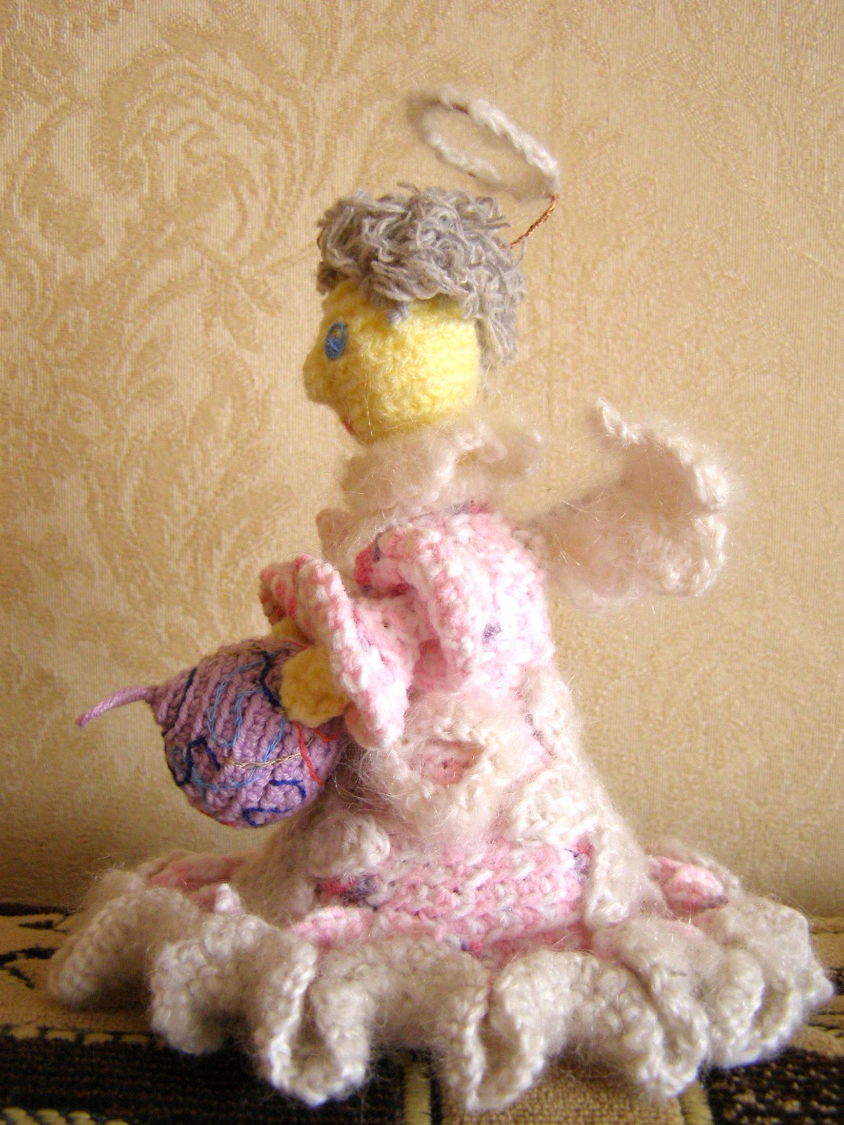 Вязаная игрушка Ангел