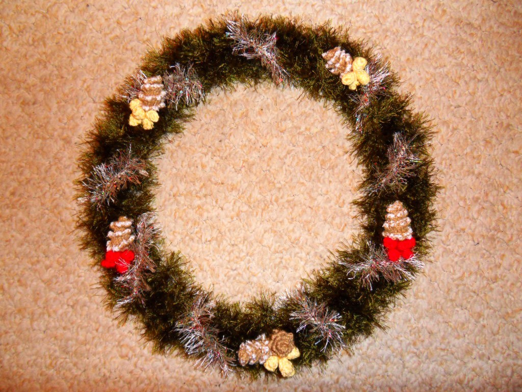 Вязаный рождественский Венок