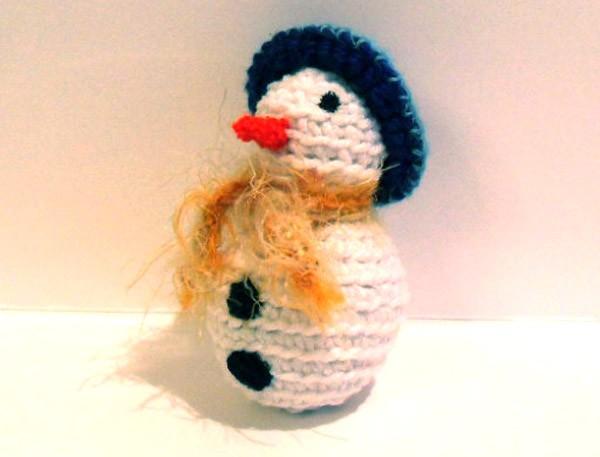 Вязаный снеговик ёлочная игрушка