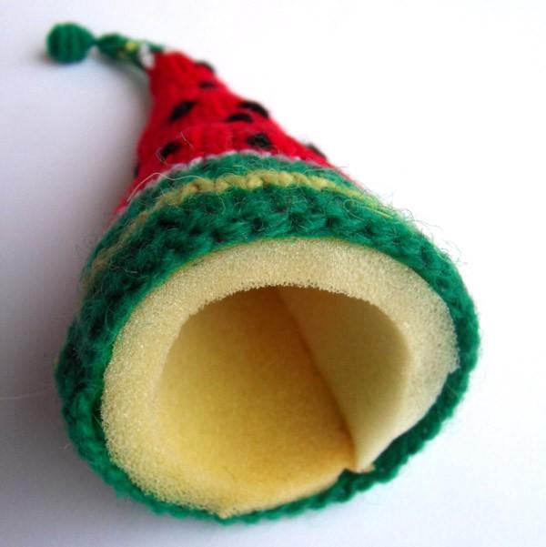 Вязаная ёлка арбуз на пороллоне
