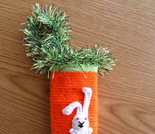 Вязаный крючком чехол на телефон Моя морковка