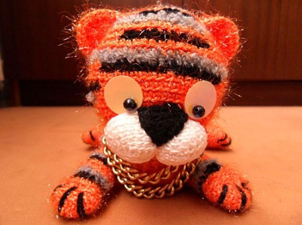 Вязанный крючком тигр, вязанная крючком игрушка, вязаные животные.