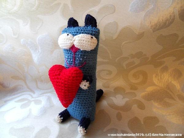 Вязаная крючком игрушка Кот