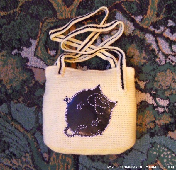 Вязаная сумка с аппликацией Кот