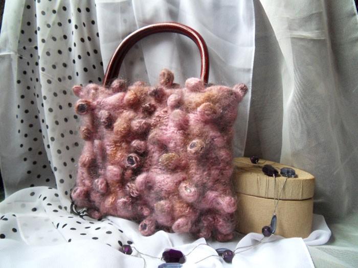 Вязаная спицами сумка Шибори