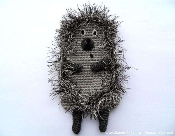 Вязаный чехол для телефона Ёжик в тумане