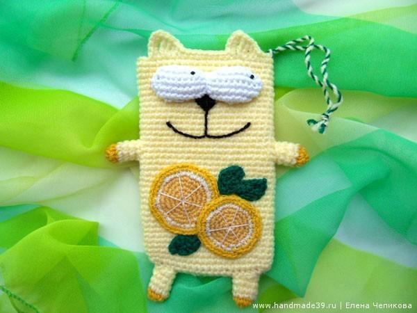 Вязаный чехол для телефона кот Лимон