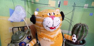 Вязаная игрушка Кот Таити