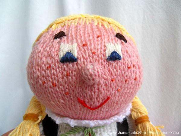 Как вышить лицо вязаной кукле