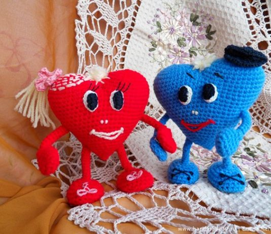 Вязаная игрушка Влюблённые сердца