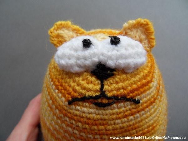 Вязаная игрушка Кот.