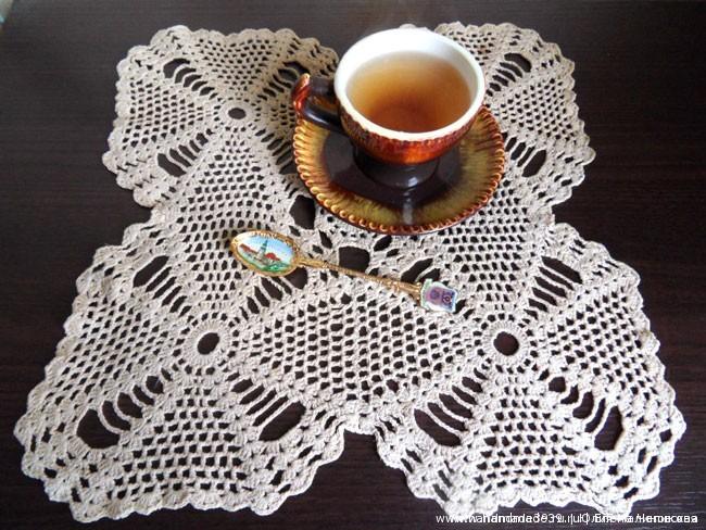 Вязаная салфетка Кофейная