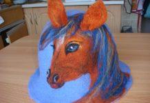 Валяная банная шапка Лошадка