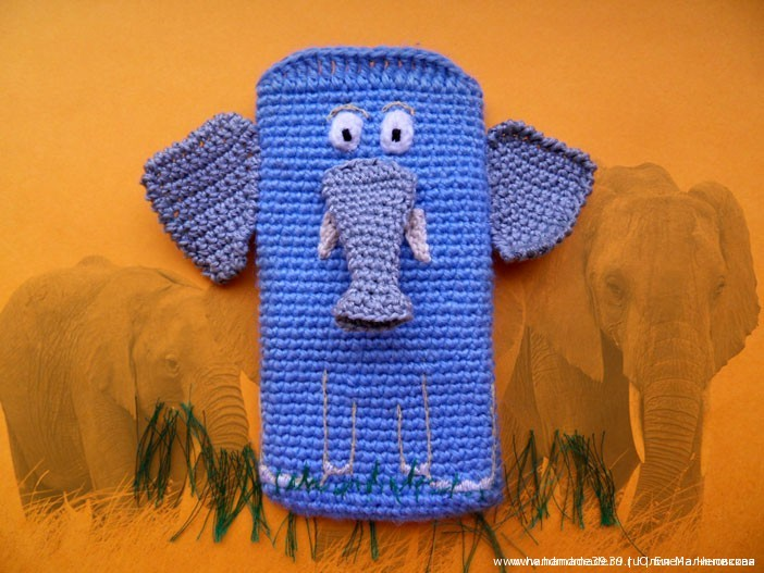 Вязаный чехол на телефон Слон