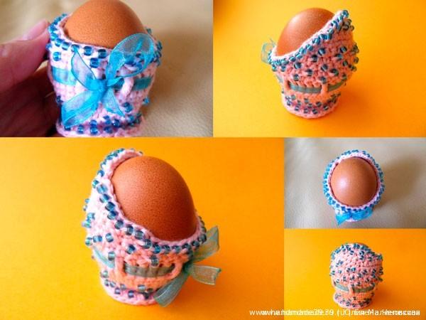 Вязаная подставка для яиц Фаберже с бисером
