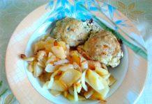Рыбные котлеты в сырно-сметанном соусе