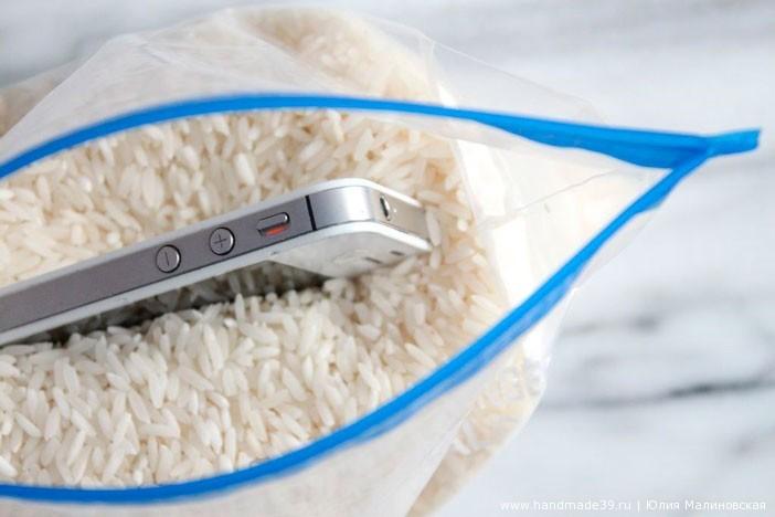 Необычное использование риса - как высушить промокший гаджет, телефон