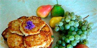 Кабачковые оладьи с яблоками