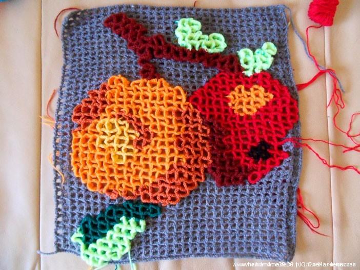 Яблоки - объёмное вязание крючком по филейной сетке - этап работы