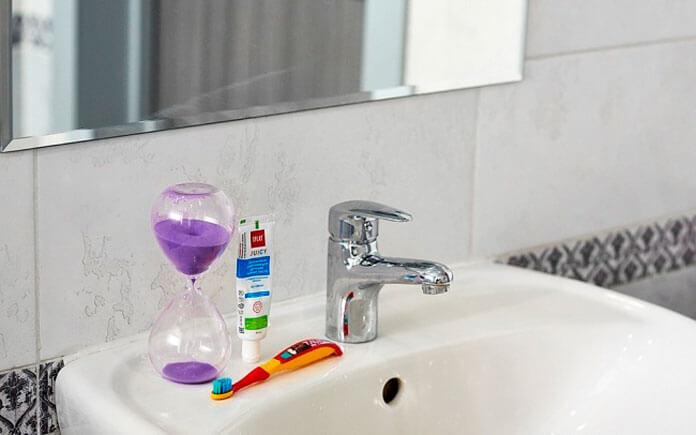 Как заставить чистить зубы в течение двух минут