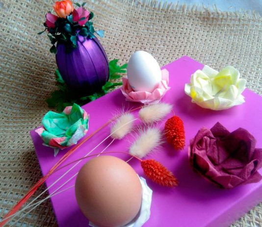 Подставка-цветок для пасхальных яиц из салфеток