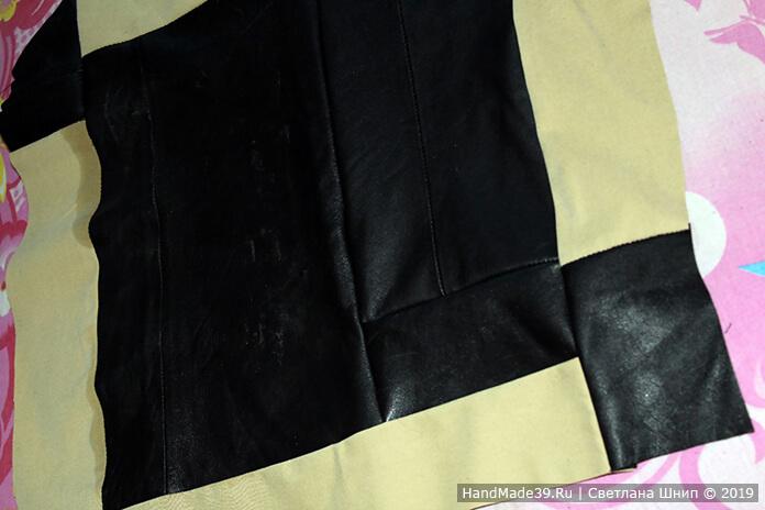 ce56cba6443f 2. Из кусочков ткани прострочить полотно прямоугольной формы  соответствующего размера. Размеры сумки могут быть любыми по вашему желанию.