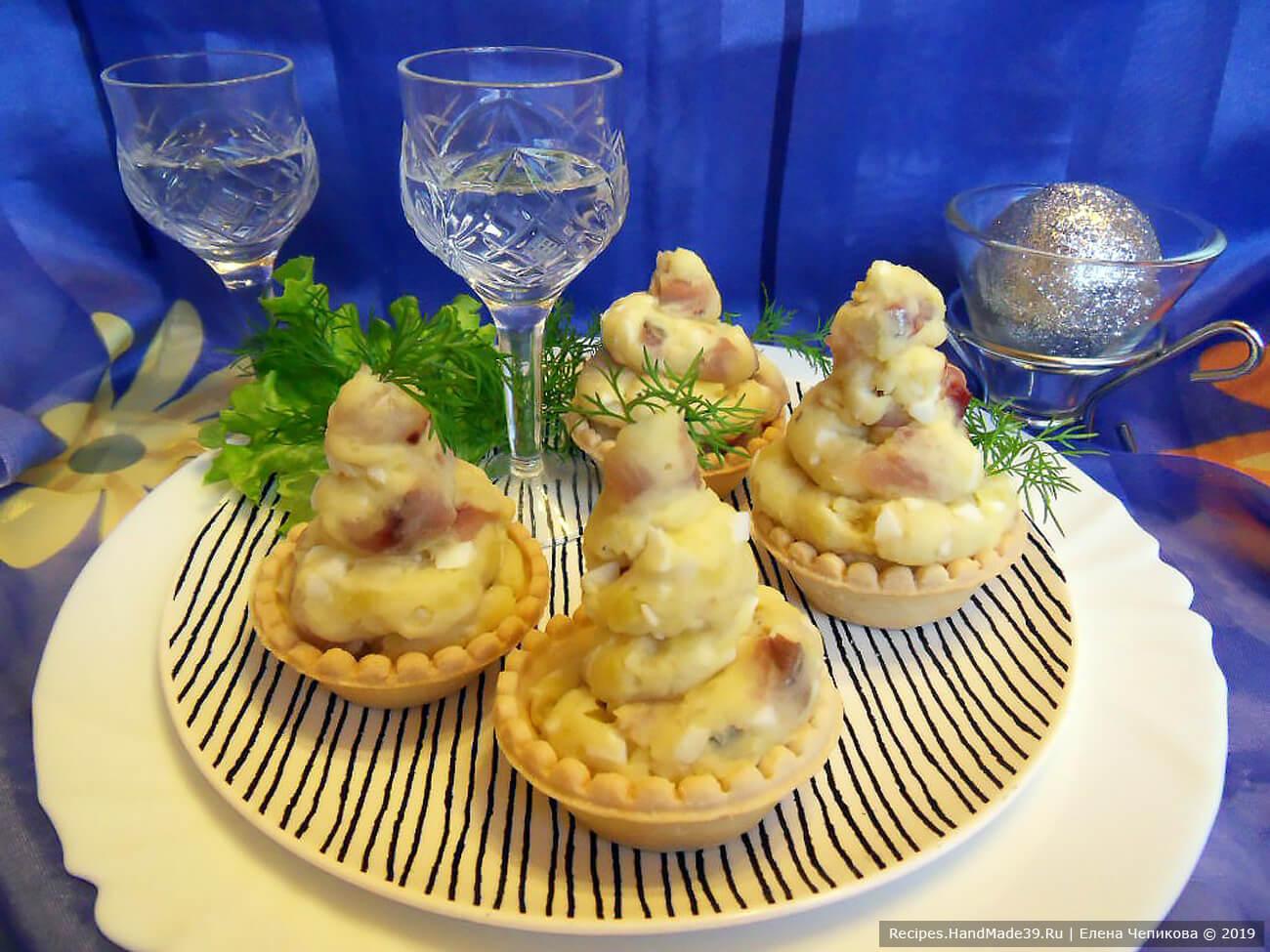 Закуска из селёдочного паштета – пошаговый кулинарный рецепт с фото