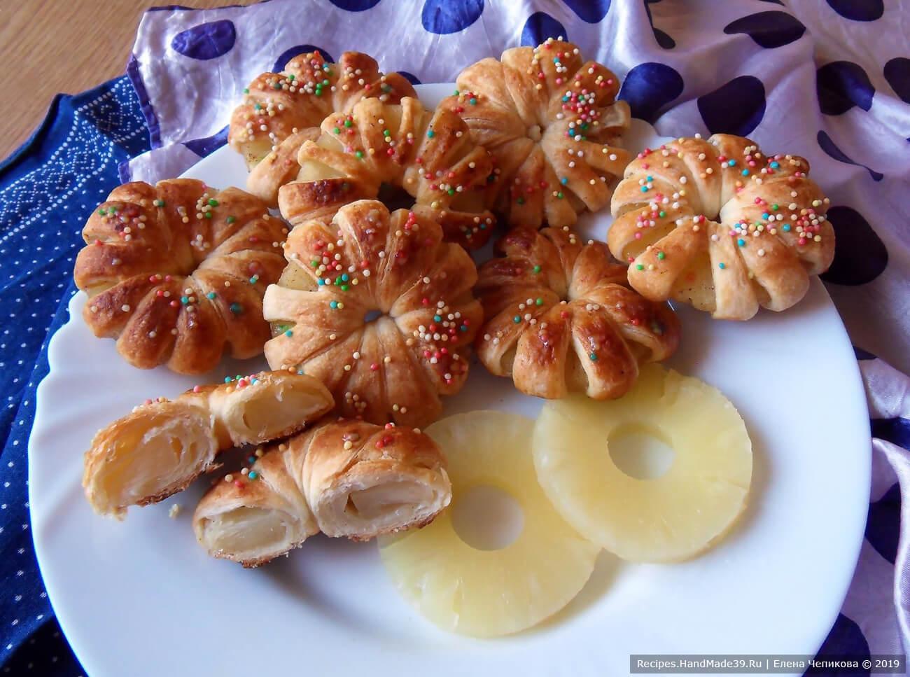 Слойка с ананасами – пошаговый кулинарный рецепт с фото