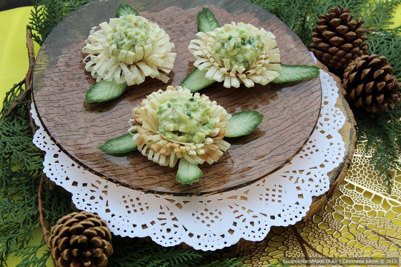 Салат из авокадо с яйцом – пошаговый кулинарный рецепт с фото