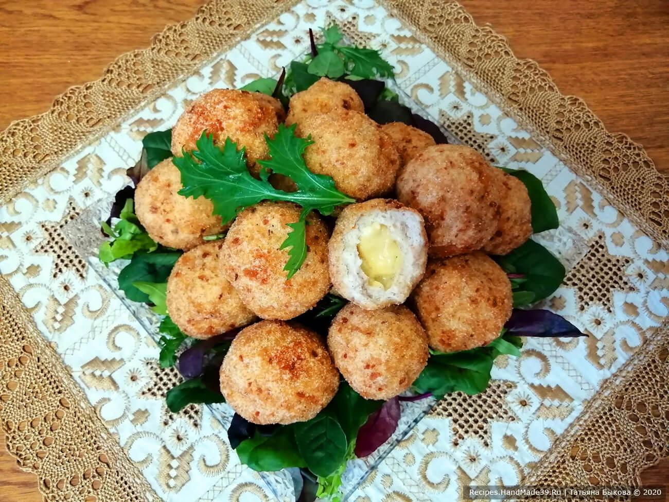 Хрустящие куриные шарики с сыром – пошаговый рецепт с фото