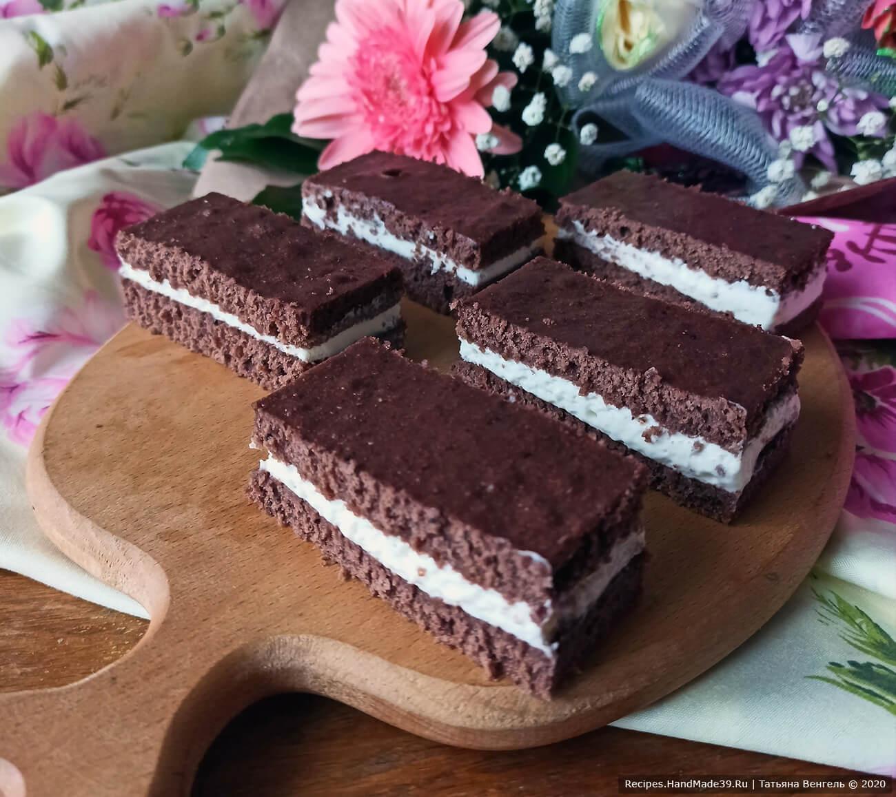 Детское шоколадное пирожное «Молочный ломтик Киндер» – пошаговый рецепт с фото