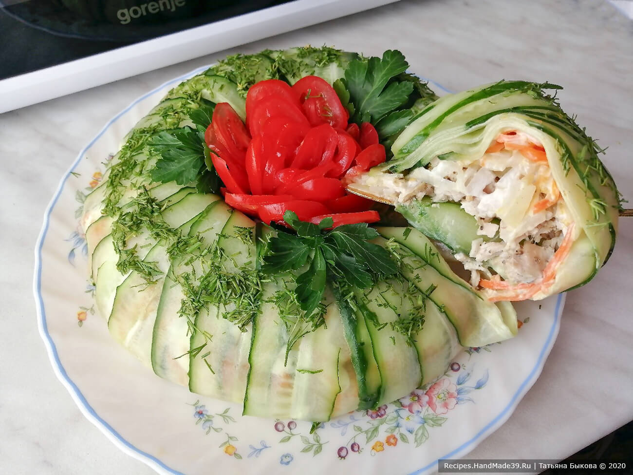 Праздничный салат с курицей, огурцами и морковью по-корейски – пошаговый рецепт с фото