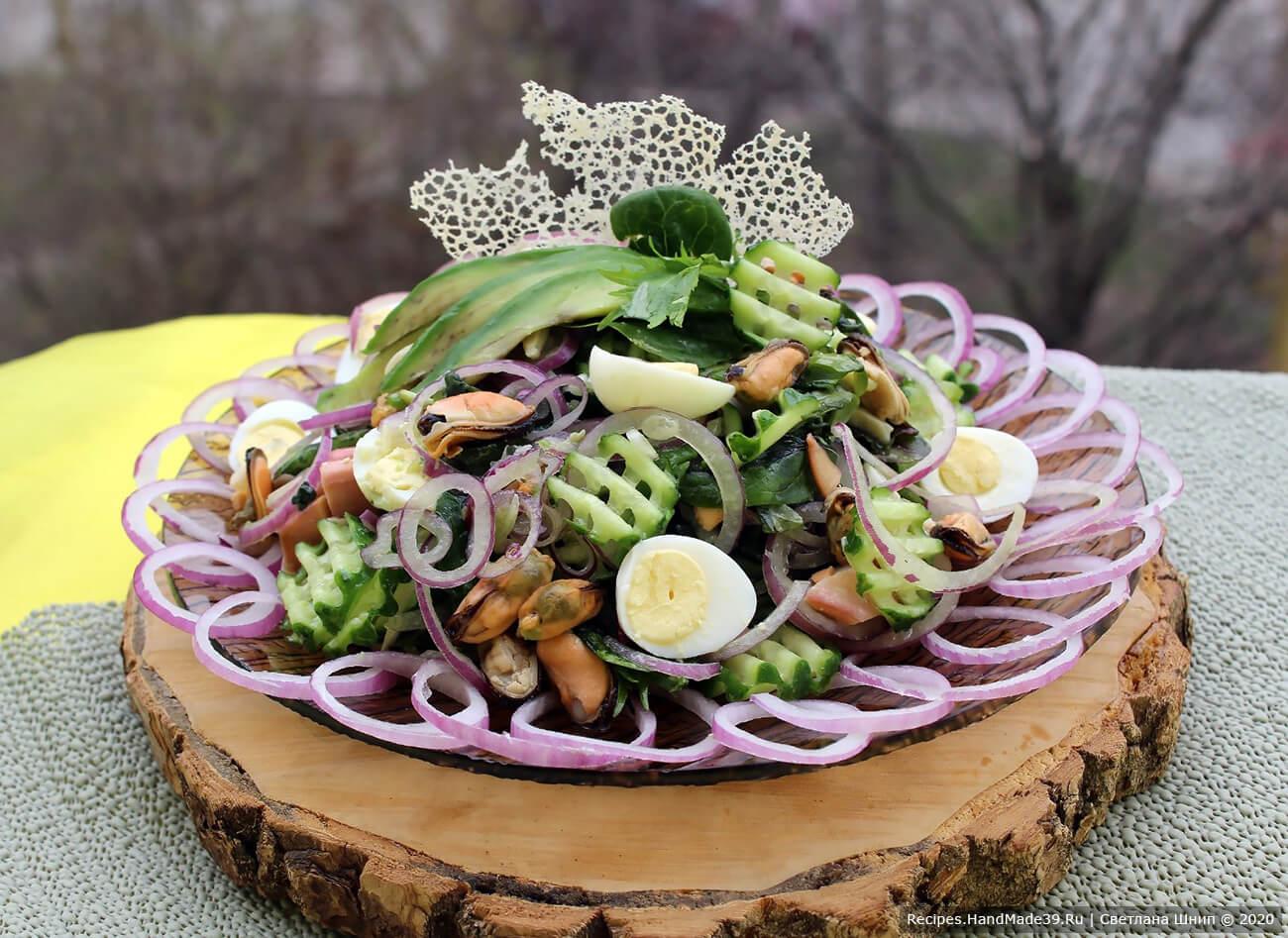 Салат с морским коктейлем и авокадо – пошаговый кулинарный рецепт с фото