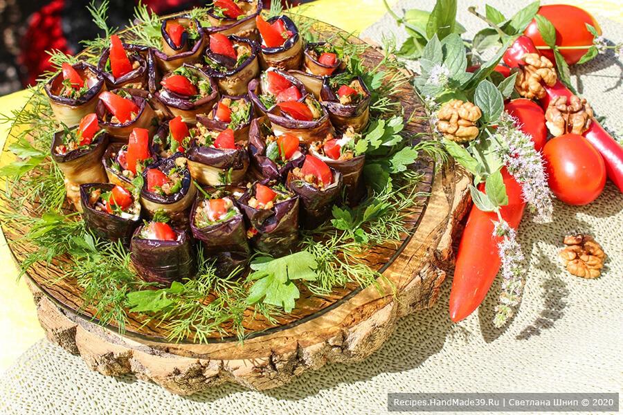Рулетики из баклажанов – пошаговый кулинарный рецепт с фото