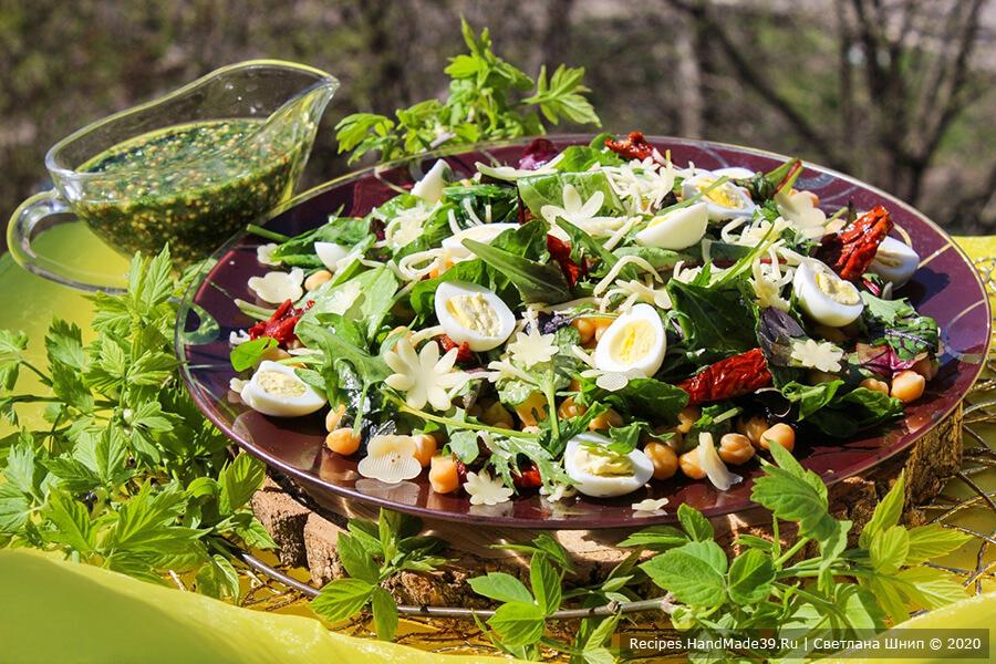 Средиземноморский салат с нутом, яйцом и вялеными томатами – пошаговый рецепт с фото