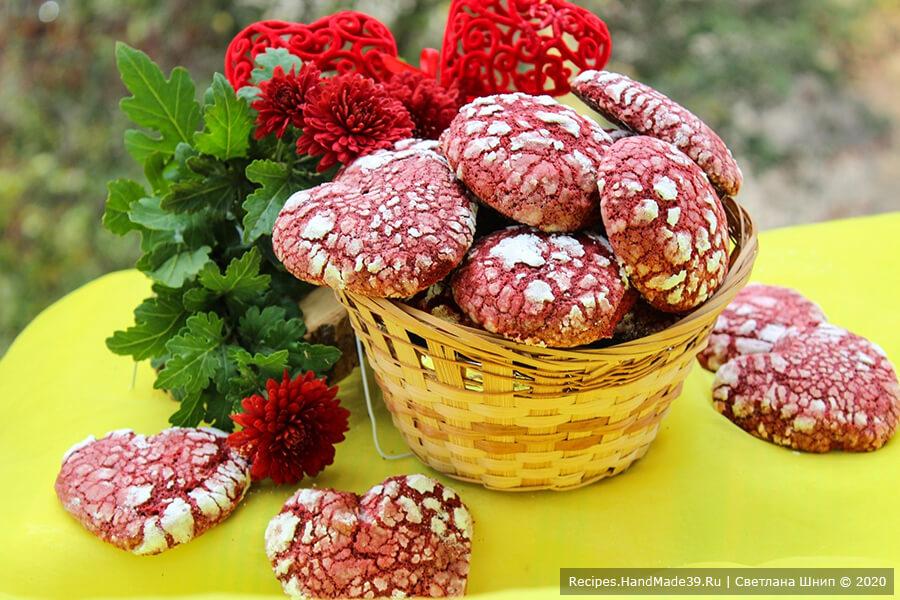 «Красный бархат» – мраморное печенье с трещинками на День влюблённых 14 февраля
