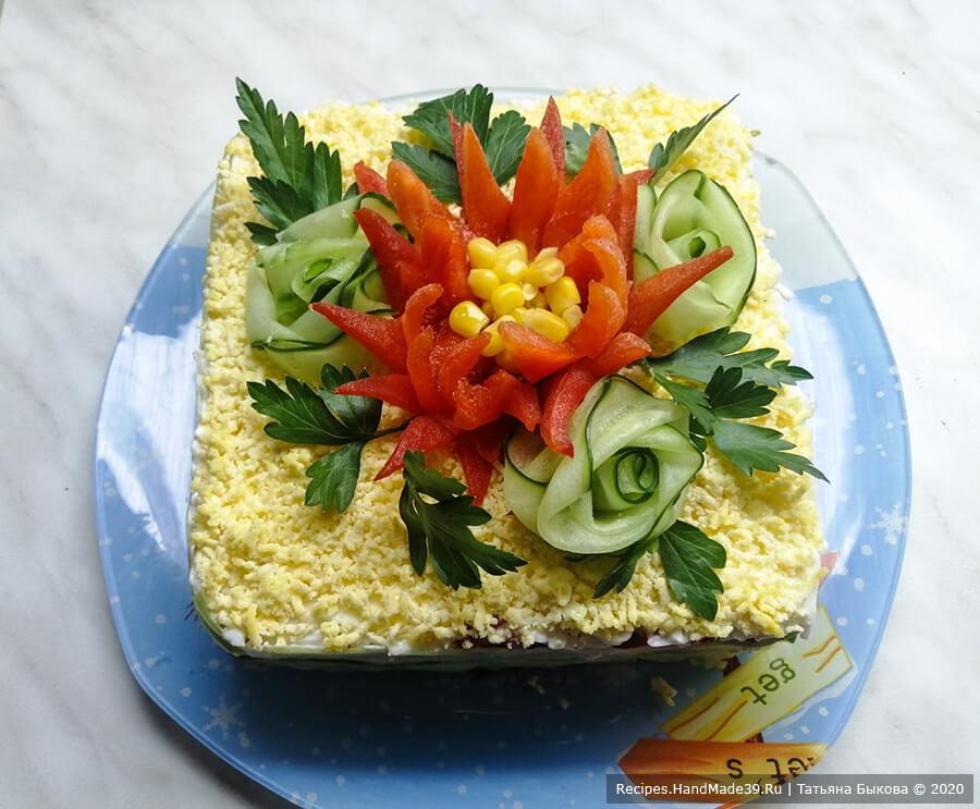 Слоёный салат с крабовыми палочками, кукурузой и сыром «Аленький цветочек» – пошаговый рецепт с фото